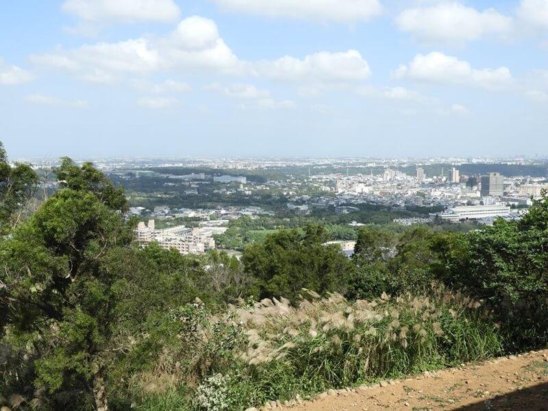 從山上眺望楊梅的城市景致