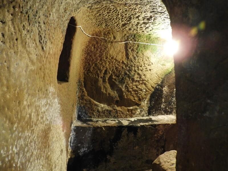 百年石頭屋的防空洞
